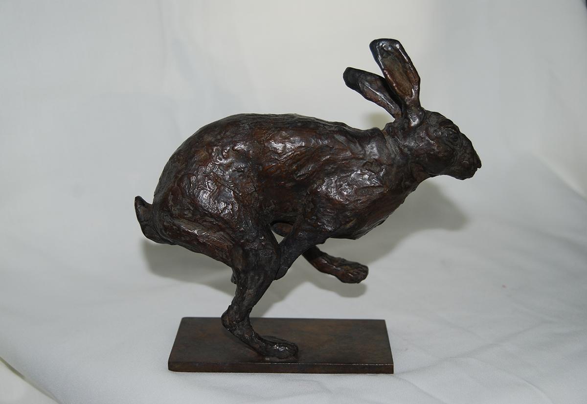 Lièvre courant – Sculpture bronze 5 x 15x 16 cm – Prix **** dispo à partir de 3/8
